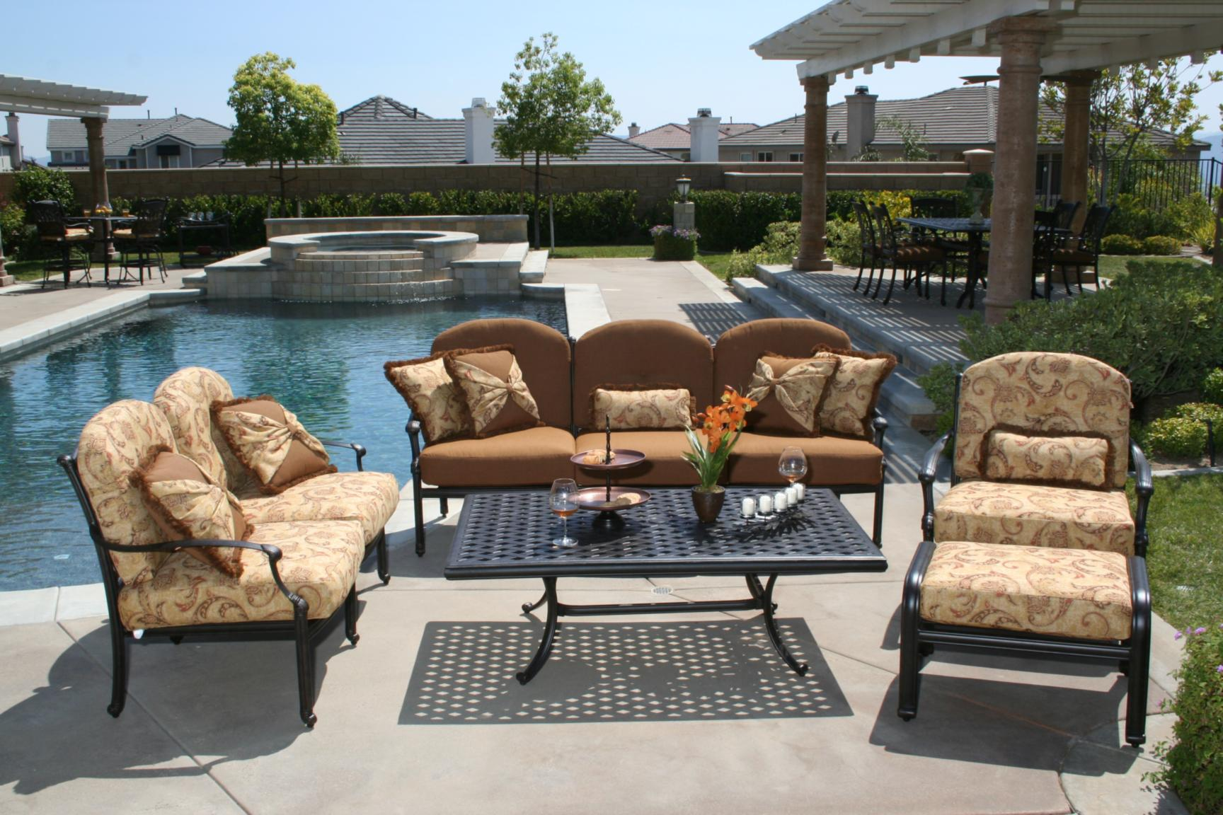 Name Brand Outdoor Patio Furniture